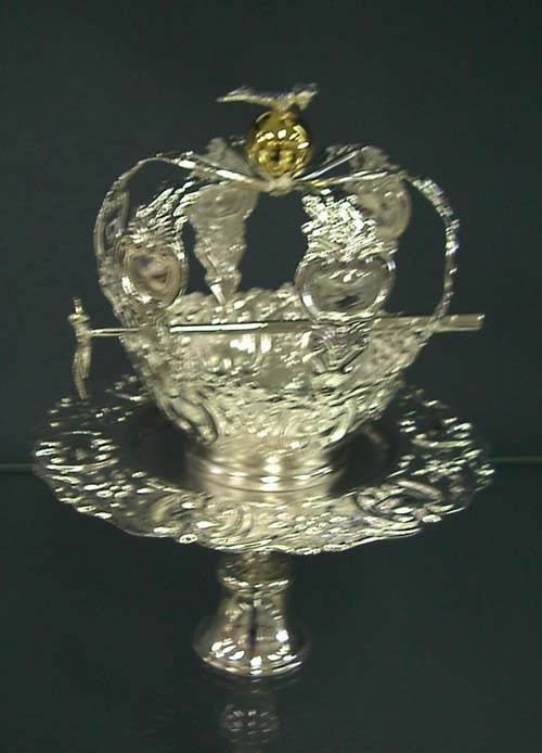 called the Holy Spirit crown | Portugal | Pinterest | Holy ...