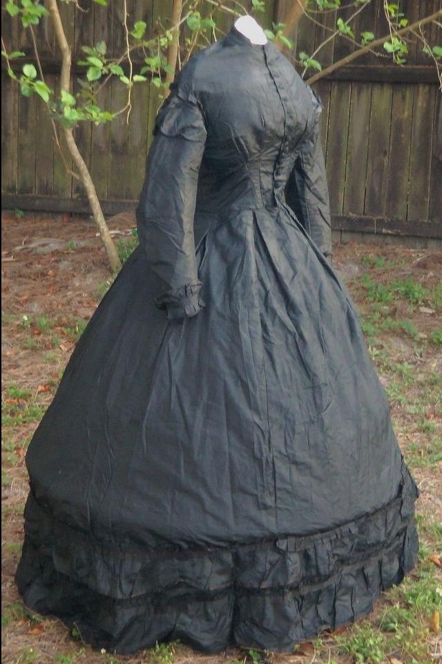 Civil War 1860's Women's Mourning Dress | Antiques ...