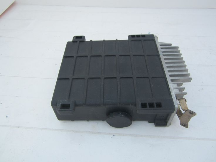 MERCEDES BENZ ELECTRONIC CONTROL UNIT ECU ECM OEM BOSCH 0280800302 0085451532.  This ECU Computer is for 1986 ~ 1988 .Please compare the part number(s):  0280800302 make sure to check with your local dealer before purchasing it.