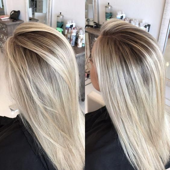 Leaving those foils lines in the past 👋🏼🙌🏼 I love a good smudged out root and platinum blonde. ✊🏼 #balayagehairblonde