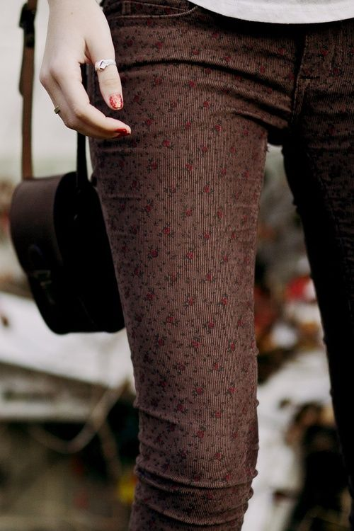 Rose Pattern Pants // love them!! and the details - nails, ring, purse