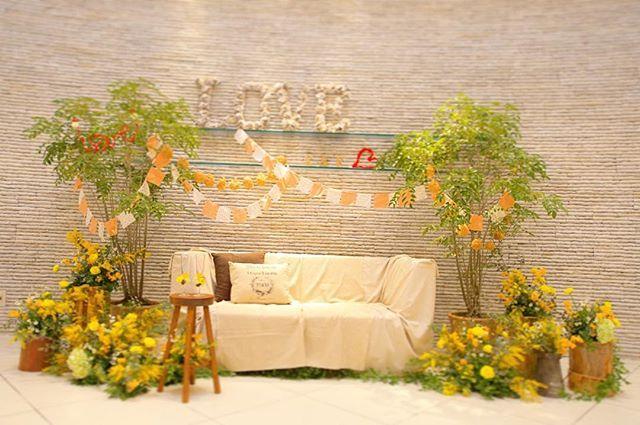 yellow green natural episode 9 : : 高砂はソファーで 手作りのガーランドとか Loveオブジェとかを. テーブル無しなので 代わりに小さい木の テーブルを置いて✧‧˚ : : #ウエディング#ブライダル#結婚式#結婚式レポート#卒花#高砂#ソファー#ソファー席#記録#思い出#wedding#ナチュラルウエディング#bridal#love#photo#diy#夫婦#loveオブジェ#ガーランド#flower#お花#yellow