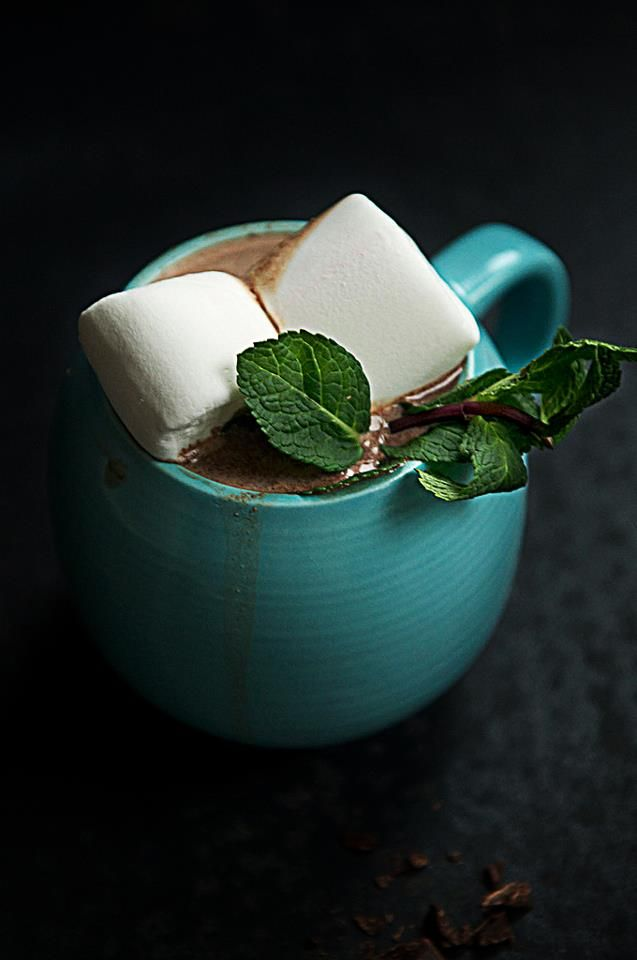 Hot chocolate with mint and marshmallows.