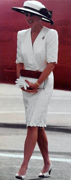 Princess Diana 6/21/91 Gulf War parade in London....Uploaded By www.1stand2ndtimearound.etsy.com