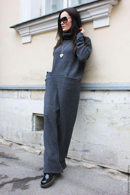 Купить или заказать Длинное платье May Be в интернет-магазине на Ярмарке Мастеров. Теплое и уютно платье из шерстяного трикотажа, Платье макси в пол с длинными рукавами, воротником стойкой, и двумя кармашками. Теплая и стильная вещь для холодного времени года. Платье по желанию можно сделать с коротким рукавом Можно носить с грубой обувью, а так же с каблуками. Здорово смотрится с короткой дубленкой и кожаной курткой, проверено;) Шапочку можно приобрести у мастера www.