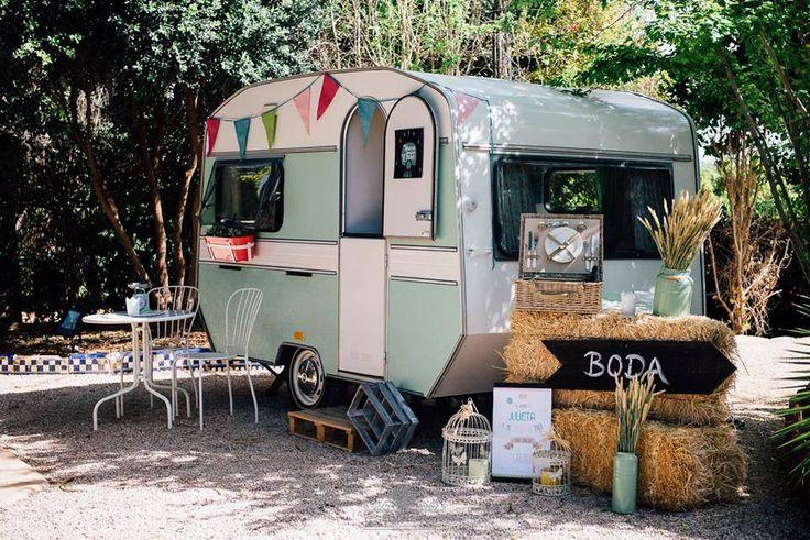 Caravan wedding de Show so chic// Foto: Estudionce Organización: Señor y señora de #bodassrysrade www.señoryseñorade.com