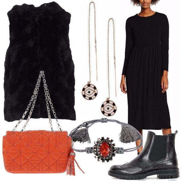 Adoro questo outfit perchè è super modaiolo: gilet di pelliccia da indossare sopra all'abito longuette nero. Gli accessori completano il look con carattere: stivaletti neri, splendida borsa arancione con nappine, orecchini e braccialetto che io trovo davvero particolare e super glamour.