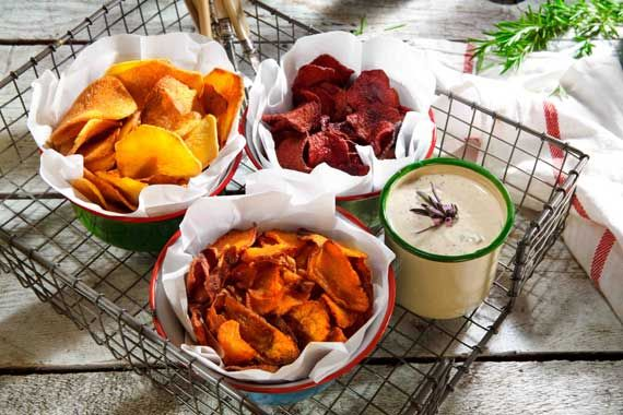 carrot - potato - beetroot chips with a yoghurt dip