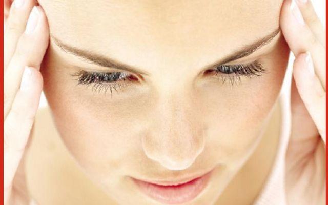 Evitare il mal di testa da cervicale Cosa ufficio - casa tran tran lavoro e ritmi intensi sono spesso causa dei mal di testa da cervica male testa cervicale rimedi salute