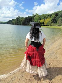 Freelance Lady: DIY Plus Size Women's Pirate Costume with Corset