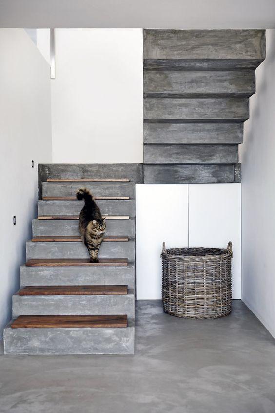 Stichwort: Beton Treppe mit Podest zwischen 2 Wän…