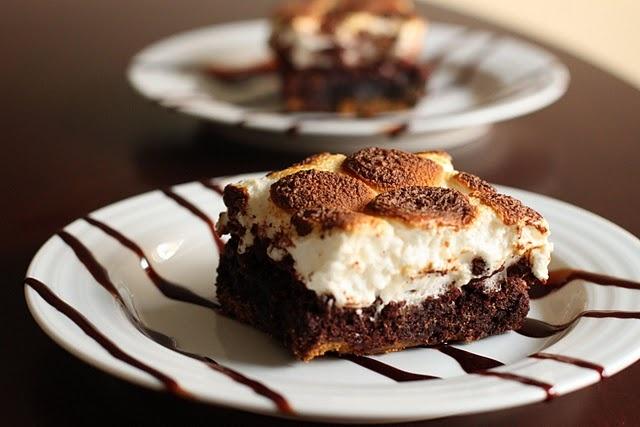 Mores Brownies....! Graham cracker crust, brownie batter, bake, top ...