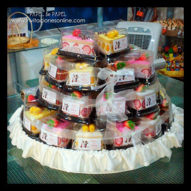 toallas en forma de trozo de tarta detalles de boda para ellas detalles para invitados bodas