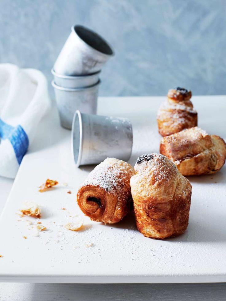 Njut av lättbakade Cruffins! En ljuvlig korsning mellan muffins och croissanter.