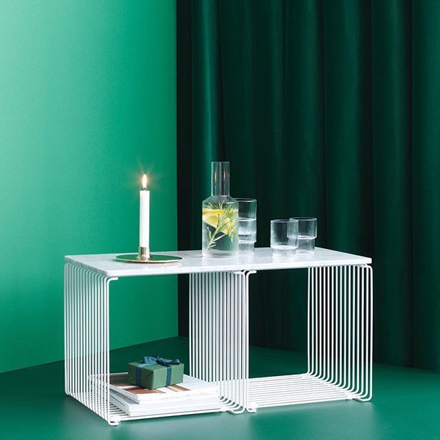 What do you wish is under the tree this Christmas?  #nordicdesign #panton #pantonwire #shelving #regale #wohninspiration #wohndesign #weinachtsgeschenk #wire