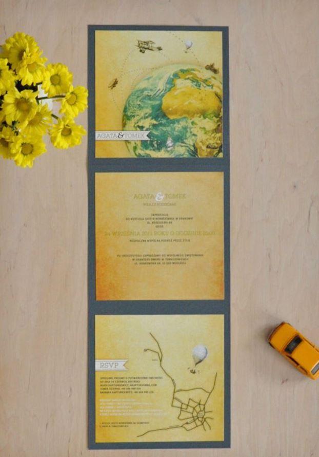 genialny pomysł - pomiędzy klasycznymi a nietyzinkowymi - przyklejanie kwadratów na tło - białe na tanzanitowym - granatowy tekst + żółte dodatki