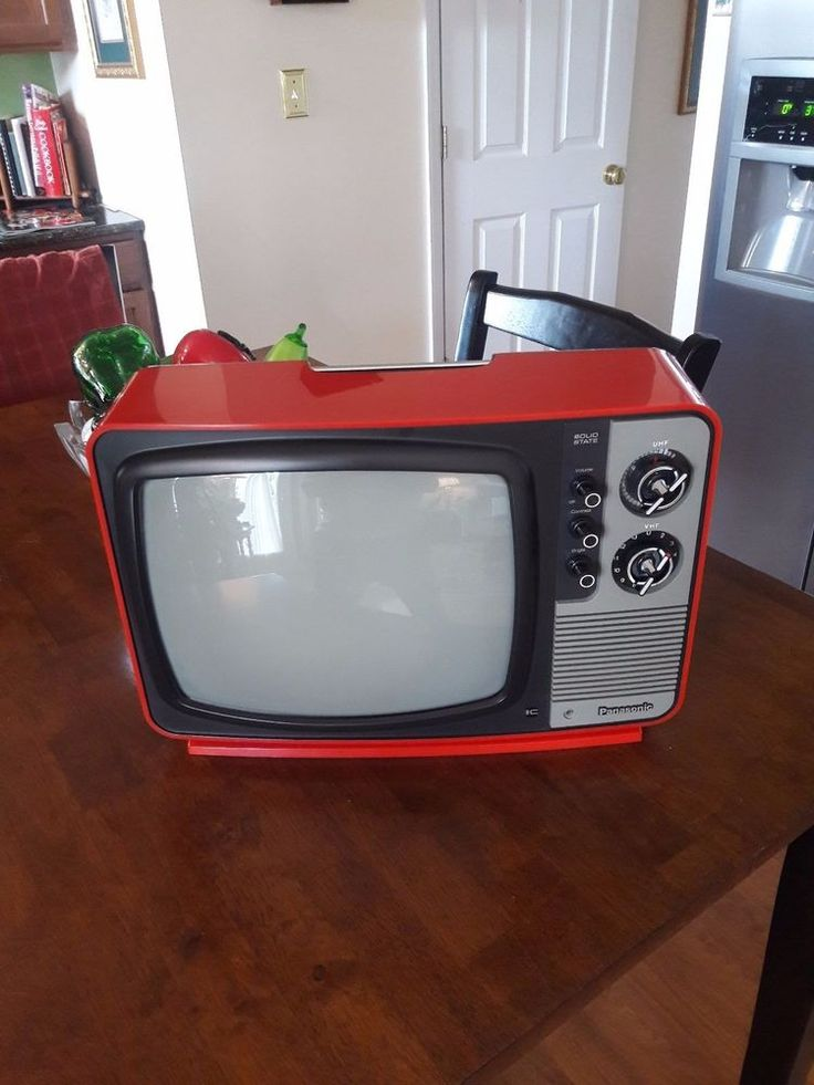 Vintage Retro 1970's Red Panasonic Television Black/White Solid State TV Model T #Panasonic