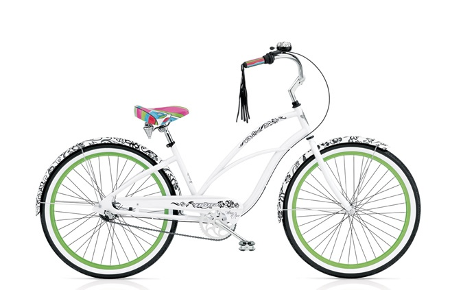 electra blanc et noir, my baby Bella-can't wait to take her grocery shopping...