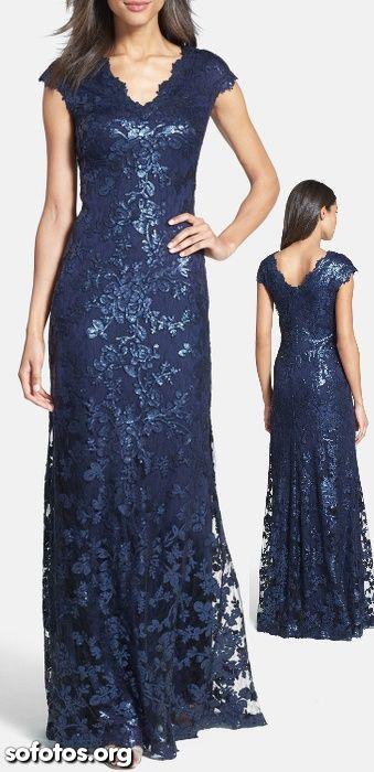 Vestido de festa azul com renda