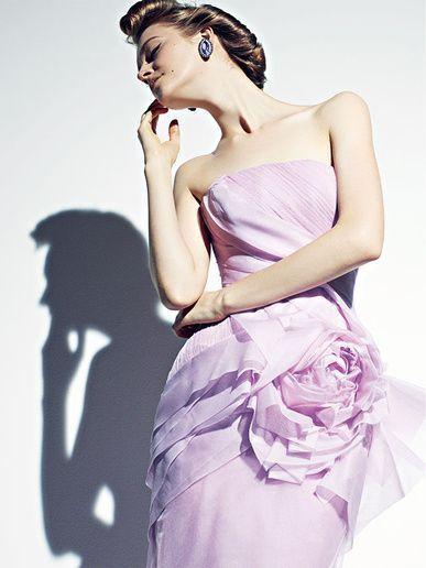 大人の色気を存分に出しましょ*【大人ドレス】のブランドまとめ♡~カラードレス編~にて紹介している画像