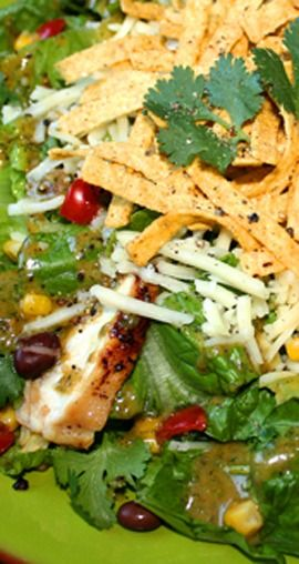 Santa Fe Salad with Cilantro-Lime Peanut-Vinaigrette | gimmesomeoven.com