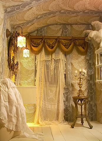 Lacey Dreams...: Dreams, Lace Curtains, Vintage Lace, Shabby Chic, Antiques Lace, Interiors, White Lace, Bedrooms, Bohemian