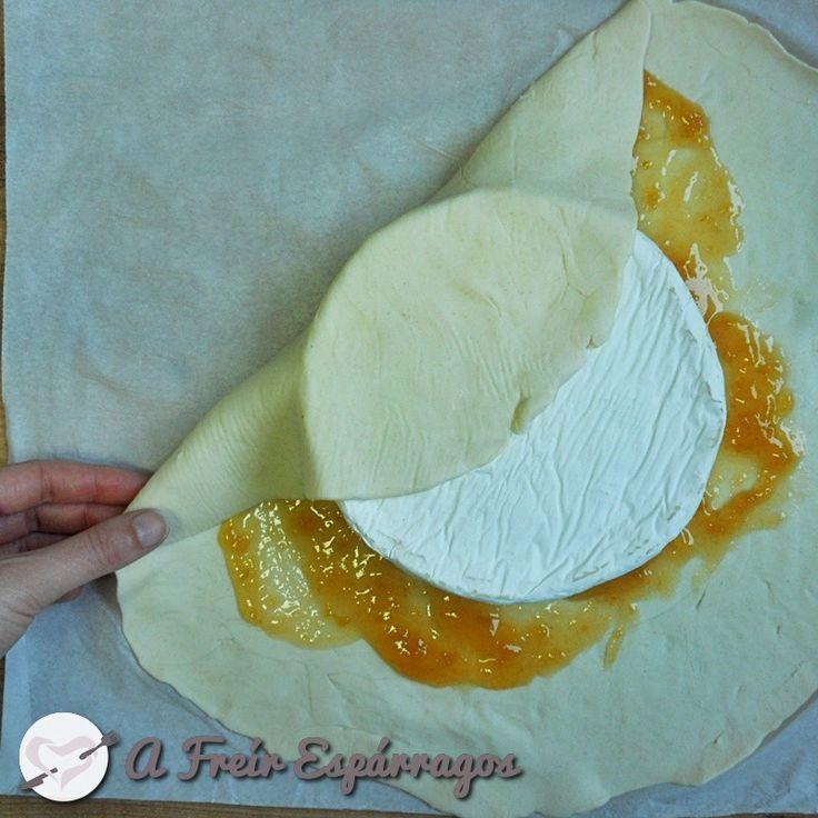 Queso Brie en hojaldre con mermelada de albaricoque | A Freír Espárragos