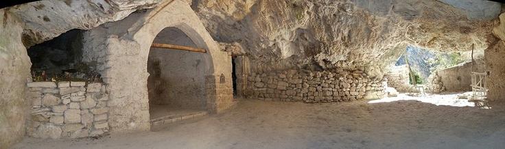 Grotta dei Frati: la più conosciuta dell'intera vallata di Fiastra (MC)