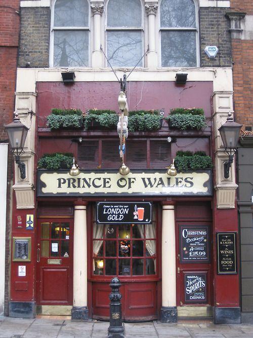 The Prince Of Wales: 8 Kensington Church Street, London, England
