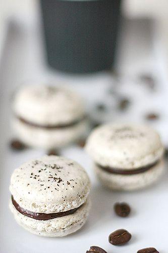 Coffee & Nutella Macarons//