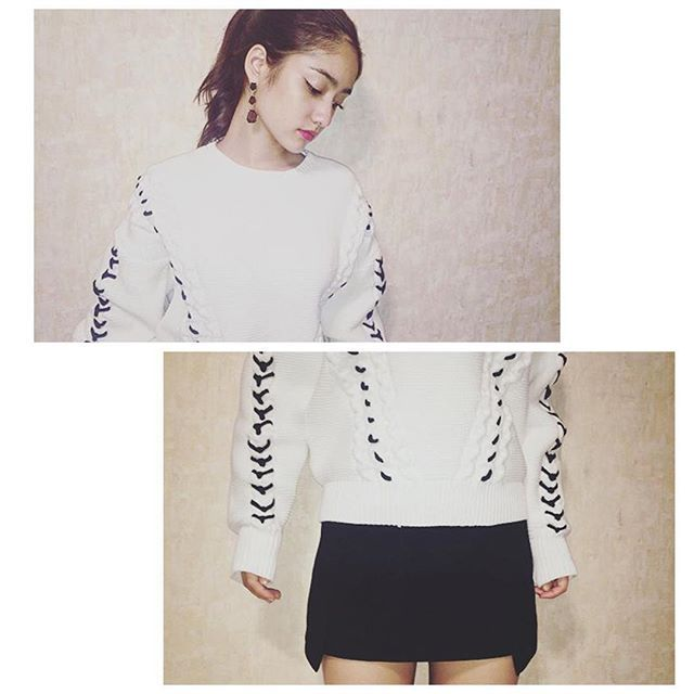 谷まりあさんが新作の LACE UP COLOR knit&cutting A line skを着て下さいました♡ありがとうございます♡  #EMODA #emoda #mode #new #item #runwaychannel #camereon #fashion #style #autumn #hybrid #2015aw #knit #laceup @mariaaaa728