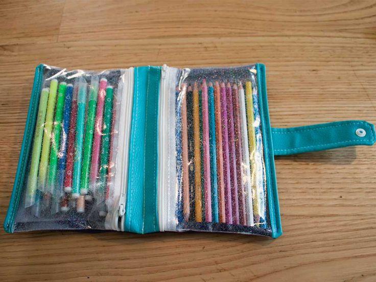Pour le CP la demoiselle avait besoin d'une trousse pour les feutres et les crayons de couleur... J'avais envie de coudre une trousse double pour l'occasion, la voici!