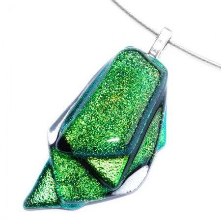 Groene glas hanger voor aan een ketting. Groene glazen ketting hanger uit eigen atelier.
