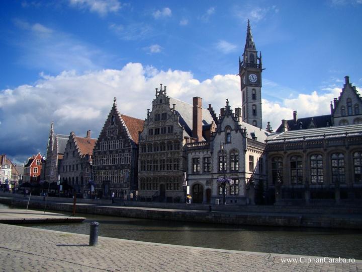 Gent este unul dintre cele mai frumoase si mai bine pastrate orase medievale ale Belgiei. Mult mai linistit decat Bruxelles sau Brugge, Gent-ul este o destinatie autentica pe care nu trebuie sa o ratati in Belgia.