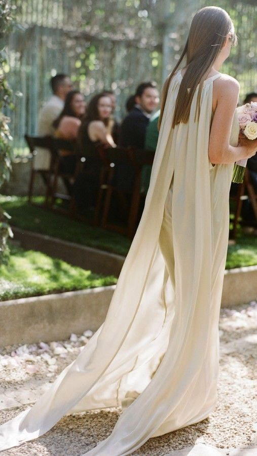 Love this dress for a outdoor Forest Wedding.