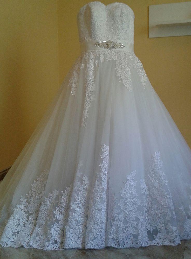 ¡Nuevo vestido publicado!  es personalizado mod. ¡por sólo 550€! ¡Ahorra un 54%!   http://www.weddalia.com/es/tienda-vender-vestido-novia/es-personalizado-mod/ #VestidosDeNovia vía www.weddalia.com/es