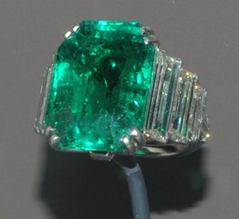 Maximilian emerald ring on display at the Museum of Natural History at the Smithsonian, donated by Marjorie Merriweather Post