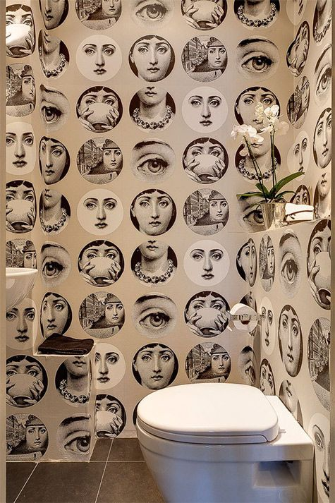 Facial #wallpaper. Nice. #bathroom