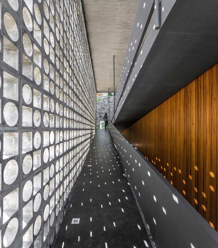 A wall any Modernist would love- this concrete block wall creates privacy whilst transmitting light. This would be a fun idea for a contemporary home