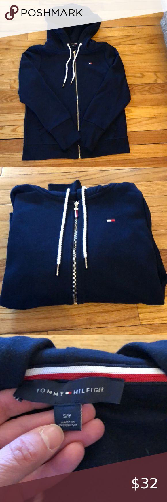 EUC TOMMY HILFIGER FULL ZIP HOODIE SIZE SMALL 💙 in 2020