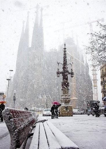 Snow storm in Barcelona, Catalonia Fantastic tours and trips all around Barcelona and its surrounding areas, all over Catalonia, so that you can come to know better this fantastic land. +34 664806309 VIKTORIA https://www.facebook.com/pages/Barcelona-Land/603298383116598?ref=hl