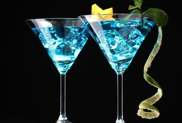 Blue lagoon cocktail  Check out Blue Lagoon Cocktail. It's so easy to make! | Blue ...