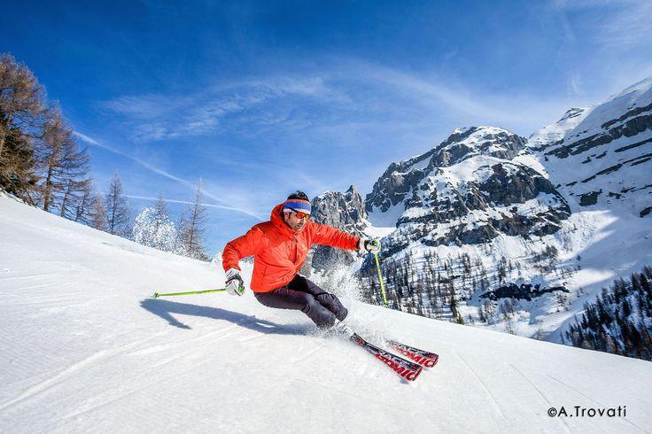 La stagione invernale promette bene, bellissima giornata oggi per una discesina con gli #sci. Ricordatevi che noi apriamo il 3 #dicembre :-) #takeyourtime #valrendena #camping #trentino #pinzolo #campiglio #madonnadicampiglio #dolomiti #dolomites #dolomieten #trentinodavivere #trentinodascoprire #natale2016 #christmas2016