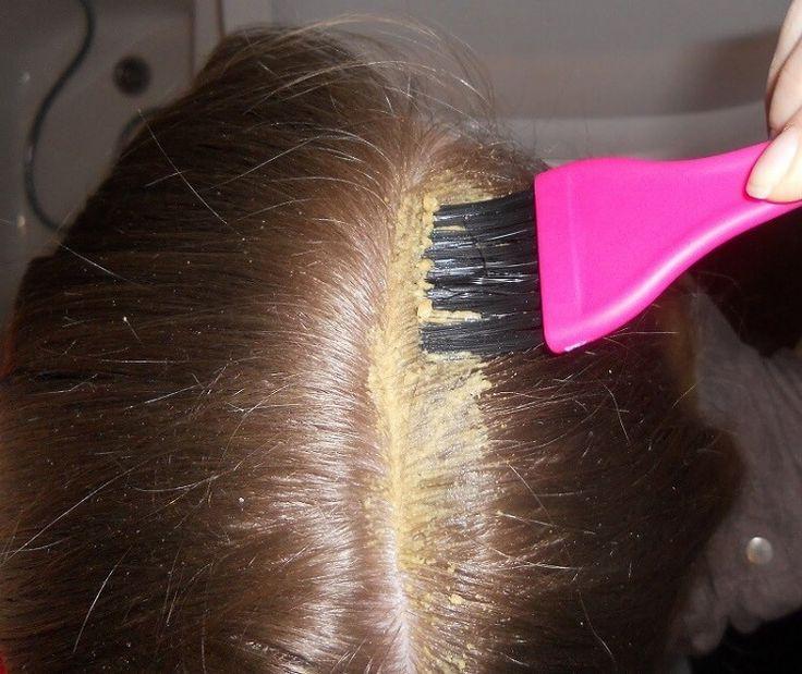 Горчичный порошок давно известен как отличный стимулятор роста волос. Кроме того, он поглощает лишний жир, улучшает кровоснабжение кожи, регулирует работу сальных желез.Однако такой непростой ингр