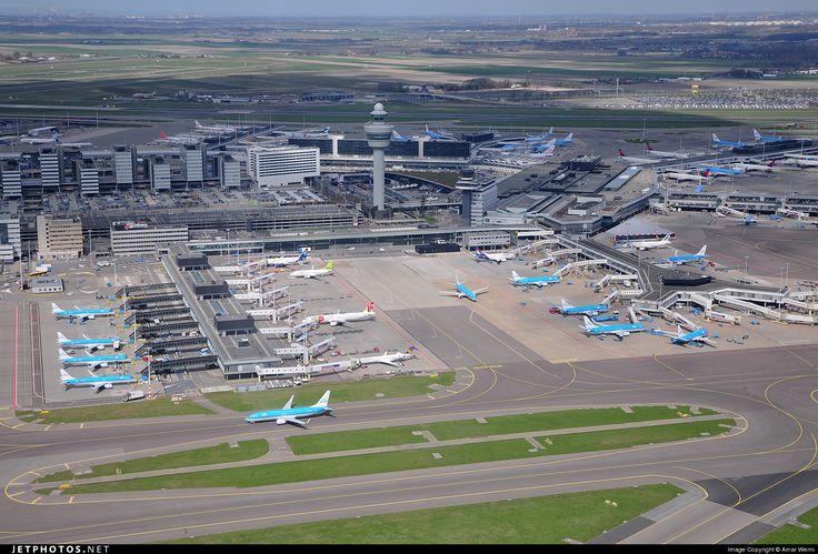 Aeroportul Amsterdam Schiphol în 2016: 63.6 milioane pasageri