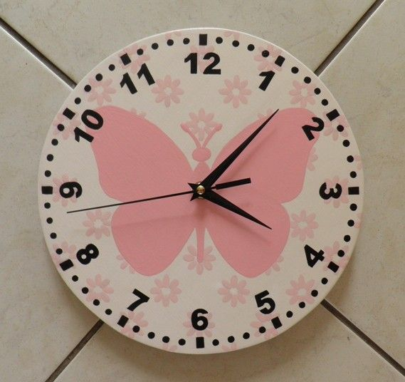 Pillangós falióra. Csendes óraszerkezettel szerelve. Buitterfly wall clock