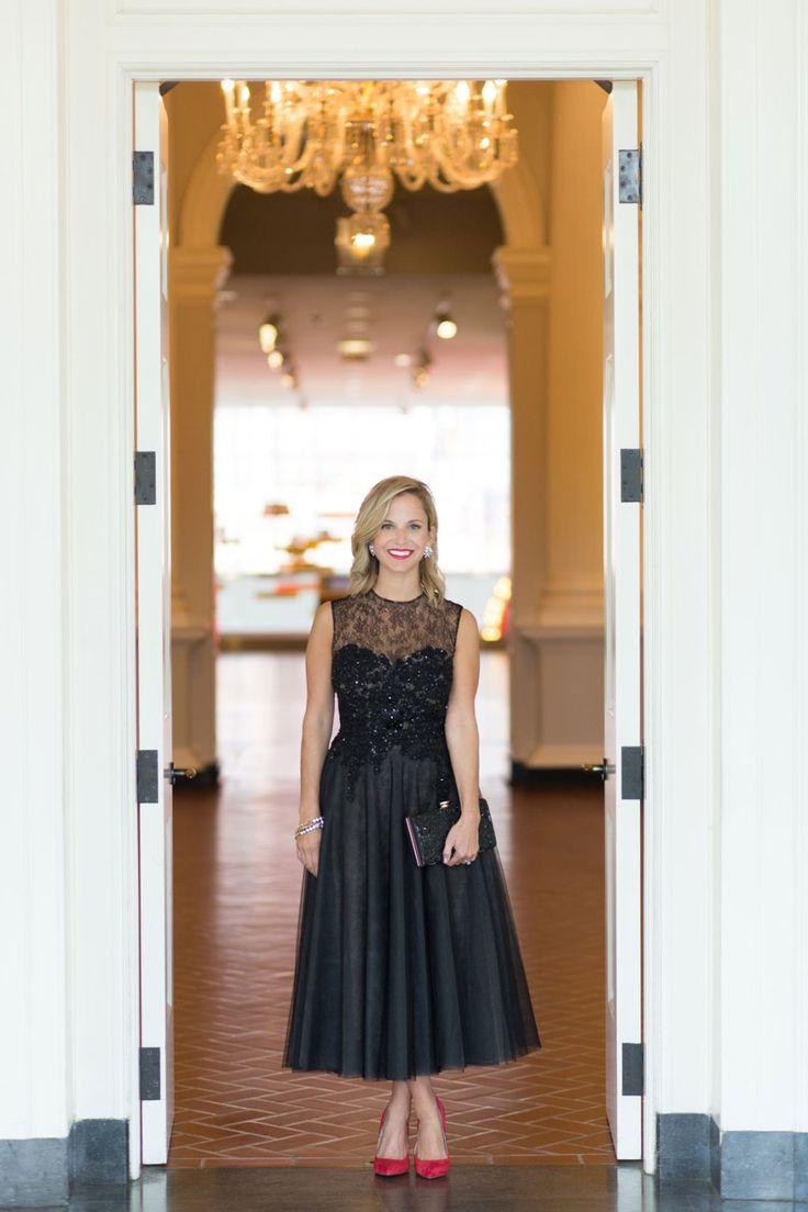 Black Tie Optional Attire for a wedding, Reem Acra dress // Photo: Jennifer Kathryn Photography