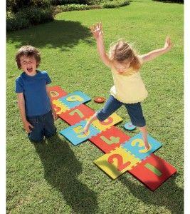 """ELC Активная игра """"Классики"""". Сложи из матов дорожку для игры в классики! Можно играть и дома, и на лужайке!. Развивает координацию движений, помогает научится считать, способствует физическому развитию, помогает Вашему ребенку развить чувство равновесия и силу."""