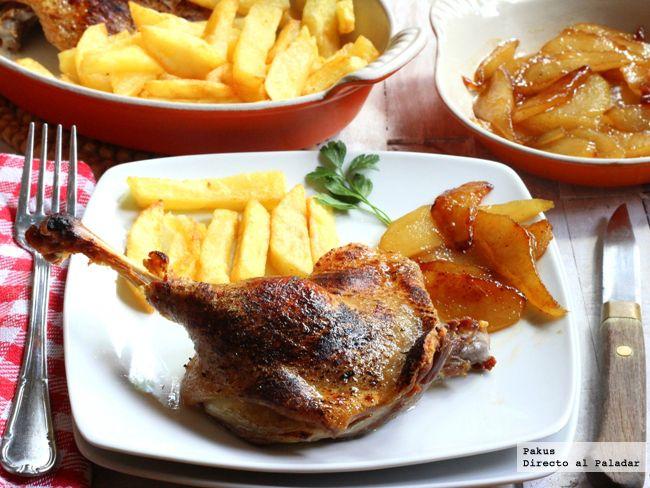 Receta de confit de pato con patatas fritas en su grasa y peras caramelizadas