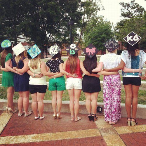 Sorority graduation cap decorations, that bow Want to do this for when I graduate with sisters!!!